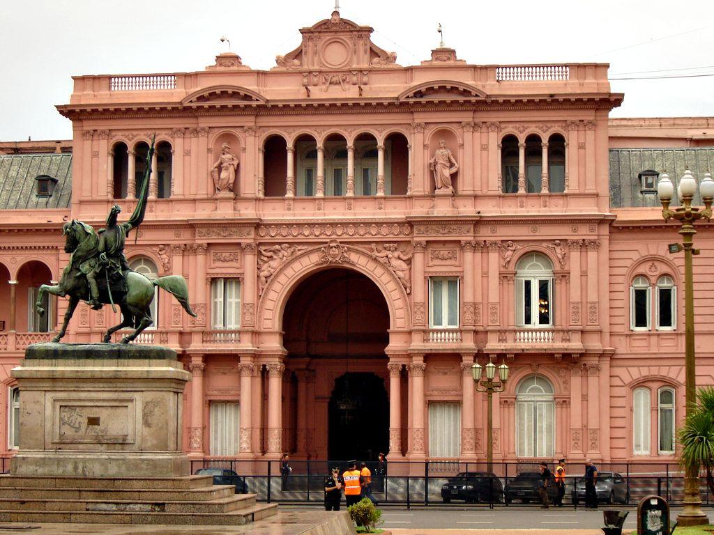 Casa Rosada, la casa presidencial.