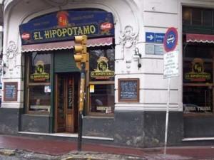 bar-viajar-turismo-argentina-tango-hostal